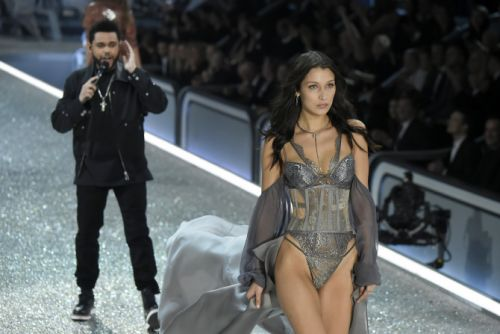 Bella Hadid & The Weeknd Are Working Through Their Issues So There's A Glimmer Of Hope