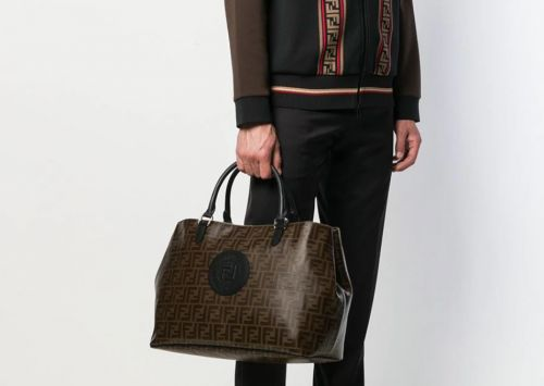 Gents, these weekender bags are your perfect travel companion