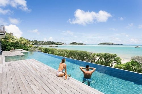 6 of the Most Luxurious Getaway Pads
