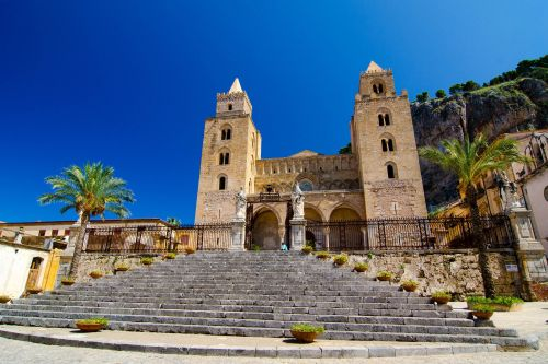 5 reasons to visit Sicily