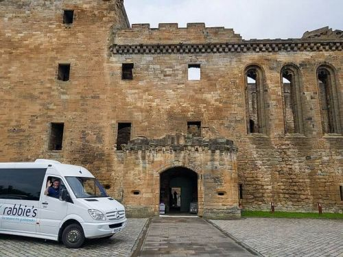 Linlithgow to Lallybroch on the Rabbies Outlander Tour in Scotland