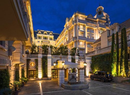 Live Like James Bond with The Hotel Metropole's 007-Themed Packages