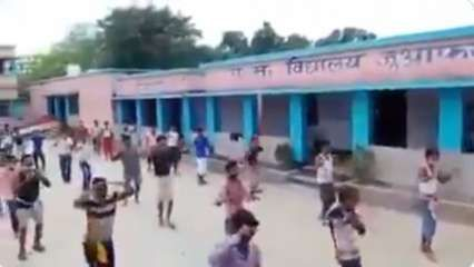 Watch: Residents at quarantine centre in Bihar dance to 'Sandese Aate Hai' to keep morale high