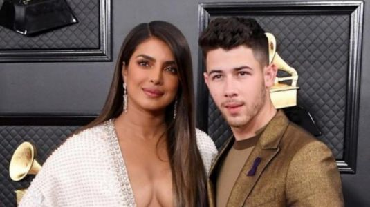 Grammys 2020: Priyanka Chopra in kimono dress is the bold queen of fashion with Nick Jonas. All pics