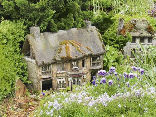 The Southland wedding venue with a difference: Take a peek at Tussock Creek's teeny tiny fairy village and restored Church