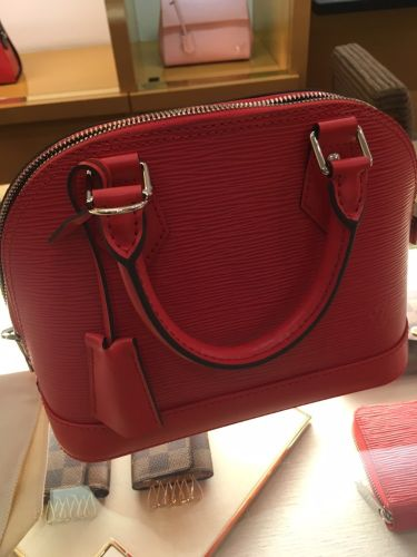 Revisiting the Classic and Chic Louis Vuitton Alma