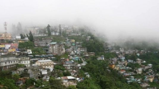 Darjeeling reopens for tourists with social distancing, masks and thermal screening