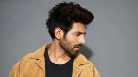 Kartik Aaryan blasted for using excessive photoshop to show fake abs in new hair-removal ad