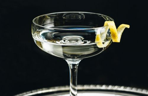 5 famous cocktails from 5 famous novels every book lover needs to sip