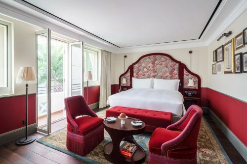 9 staycation packages in Singapore to tide you through the COVID-19 travel bans