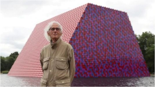 Artist Christo, best known for wrapping exteriors of landmarks, dies at 84 in New York