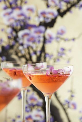Recipe: A Pretty Prosecco Cocktail