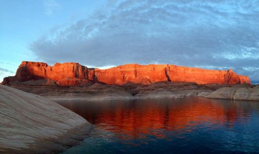 Houseboating on Lake Powell: Oasis in the Desert