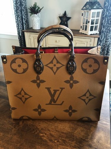 Review: Louis Vuitton Onthego