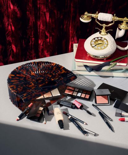 Doucce Cosmetics is seeking Fall interns to join the Social Media/Marketing team in NYC