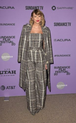 Taylor Swift Went All-Houndstooth-Everything for the Premiere of Her New Netflix Doc, and It's V Chic