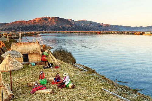 The Uros Islands of Perú: Explore the colourful floating village made of reeds in Lake Titicaca