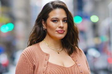 Ashley Graham Proudly Shows Off Her Post-Pregnancy Stretch Marks