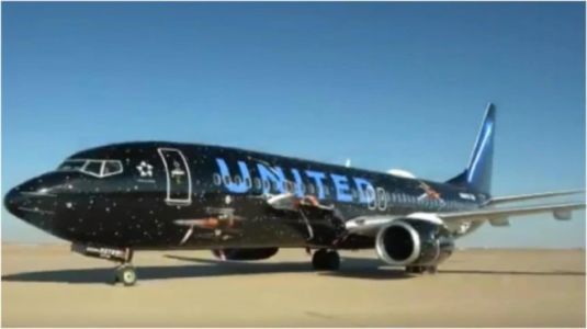 United Airlines' Star Wars-themed plane takes its first flight. Watch making video