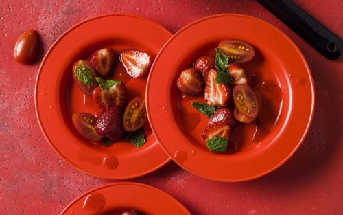Tomato and strawberry salad with mint dressing recipe