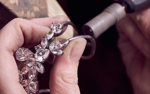 What's the difference between simulant, synthetic and natural diamonds?