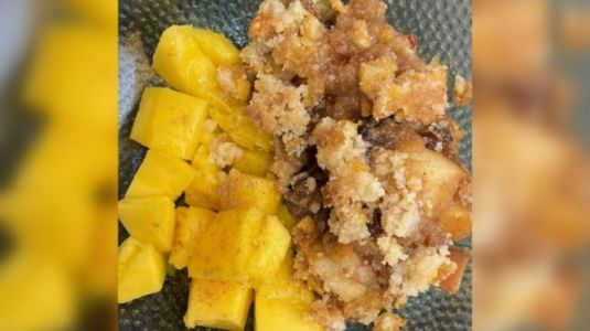 Soul Kitchen, Baked Apple and Dates Crumble with Mangoes: Dessert cravings